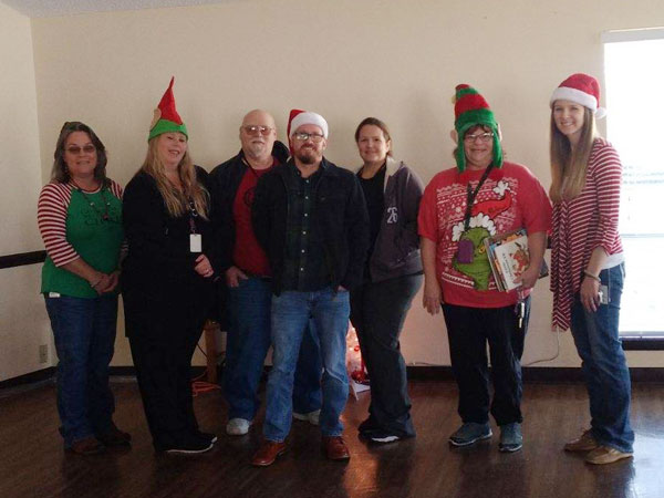 Etech Give Back – Rusk Center Spreads Joy at Local Nursing and Rehab Center